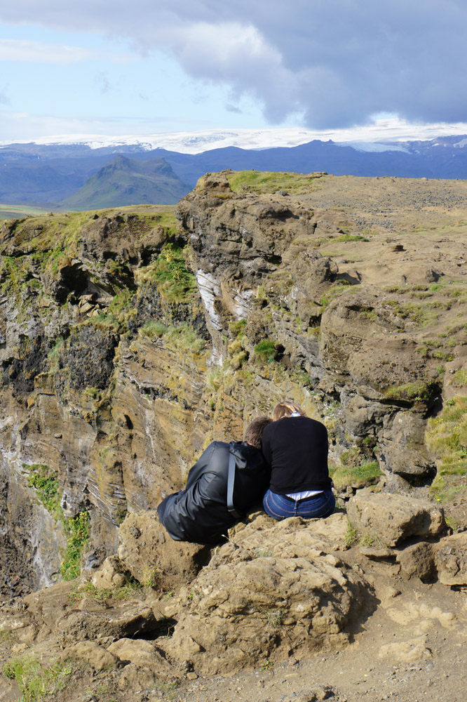 Dyrhólaey Reynisfjara Iceland romantic couple romance