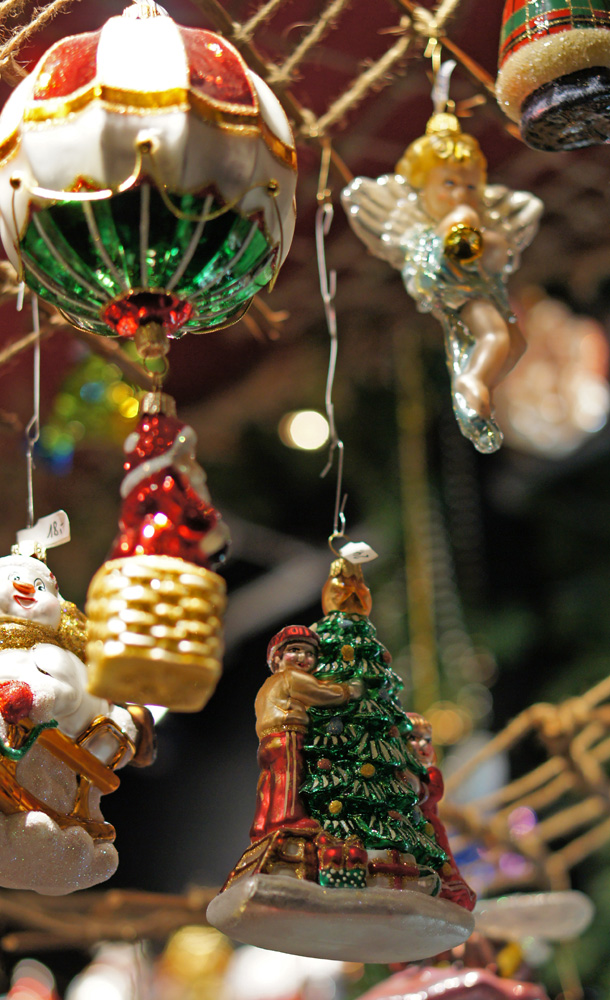 Weihnachtsmarkt Christmas market Germany tree toys