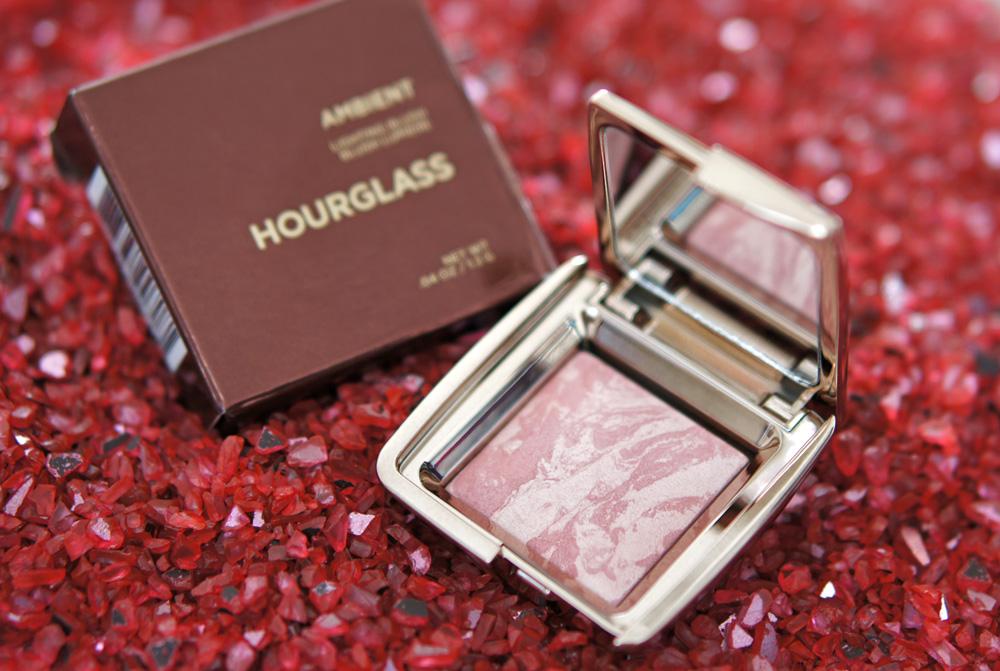 Почти стали любимыми: румяна Hourglass Ambient Lighting Blush
