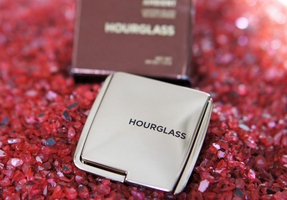 Das fast perfekte Rouge von Hourglass