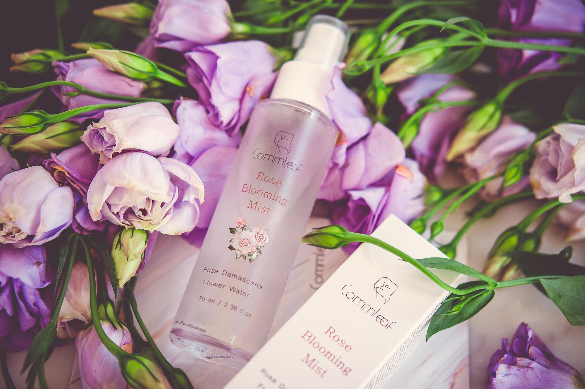 Hautpflege zum Sprayen: Rose Blooming Mist von Commleaf