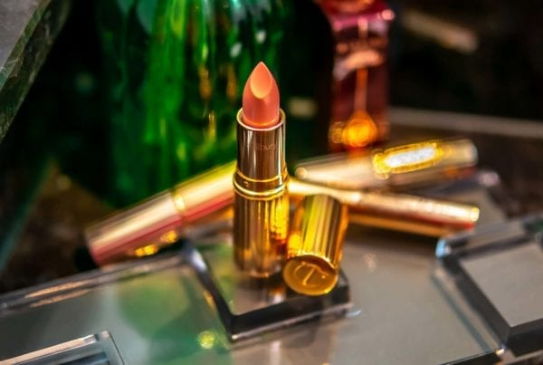 Charlotte Tilbury Bitch Perfect Lipstick Kissing Lippenstift помада