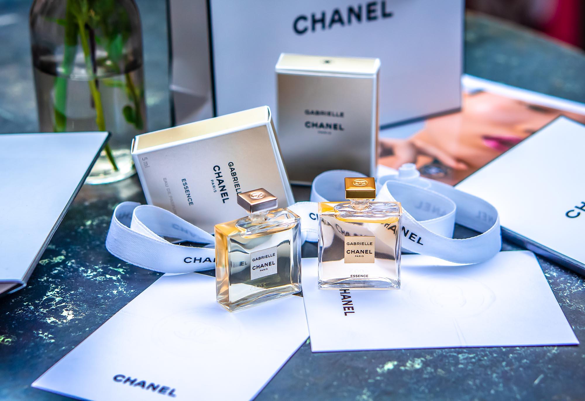 Parfüms im Vergleich: Gabrielle und Gabrielle Essence von Chanel